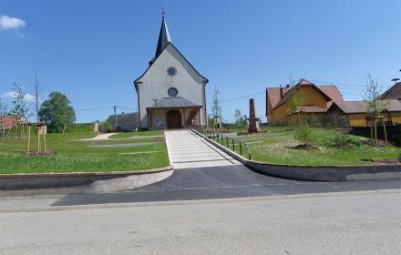 Amenagement des espaces extérieurs de l'îlot de l'église, mairie, école et cimetière – Huttendorf